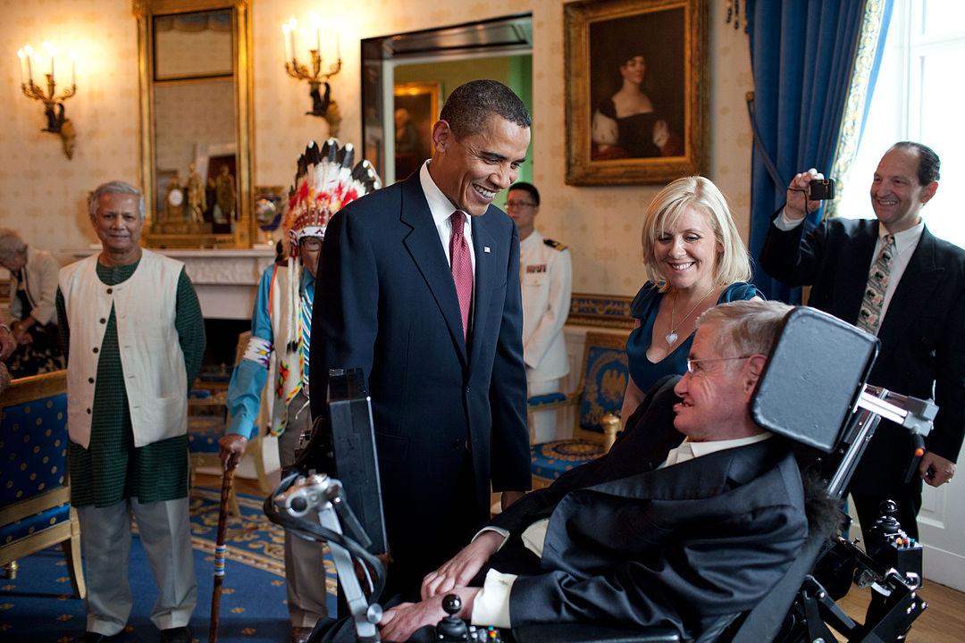 1080px-Barack_Obama_speaks_to_Stephen_Hawking.jpg